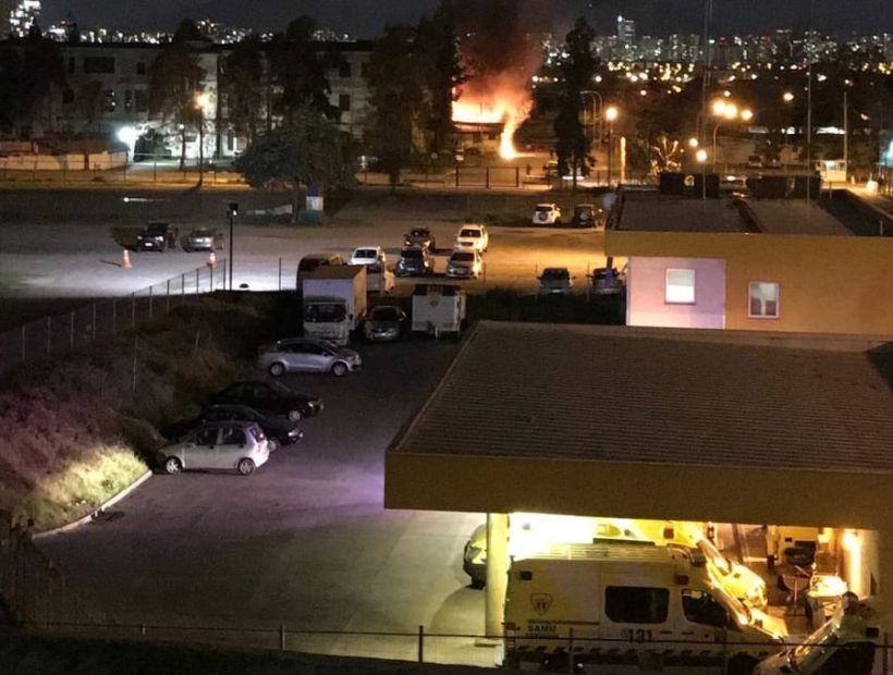 Incendio afectó las antiguas dependencias de maternidad del Hospital Barros Luco