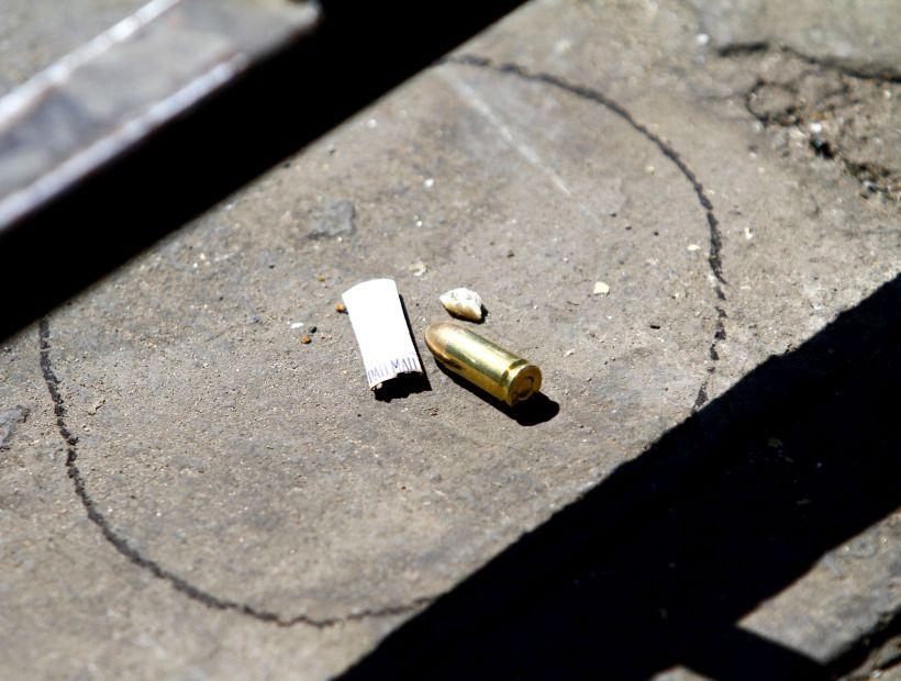"""Niño de 10 años y un adulto fallecen tras """"infernal"""" balacera en La Pintana"""