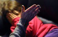 Madre que se grabó pegándole a su hija fue detenida y luego dejada en libertad