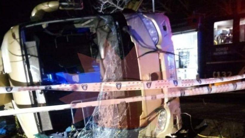 Volcamiento de bus en San Clemente deja 3 muertos y más de 30 lesionados