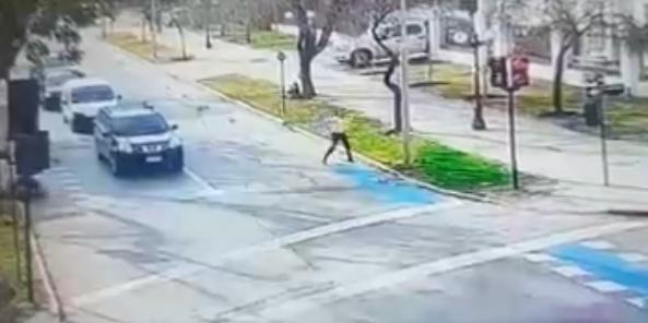 """[FOTOS] Robaron el automóvil de sobrina de Sergio Livingstone en una """"encerrona"""" en Providencia"""