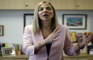 Ministra Plá solidarizó con mujer herida con lacrimógena, pero no presentará acciones legales