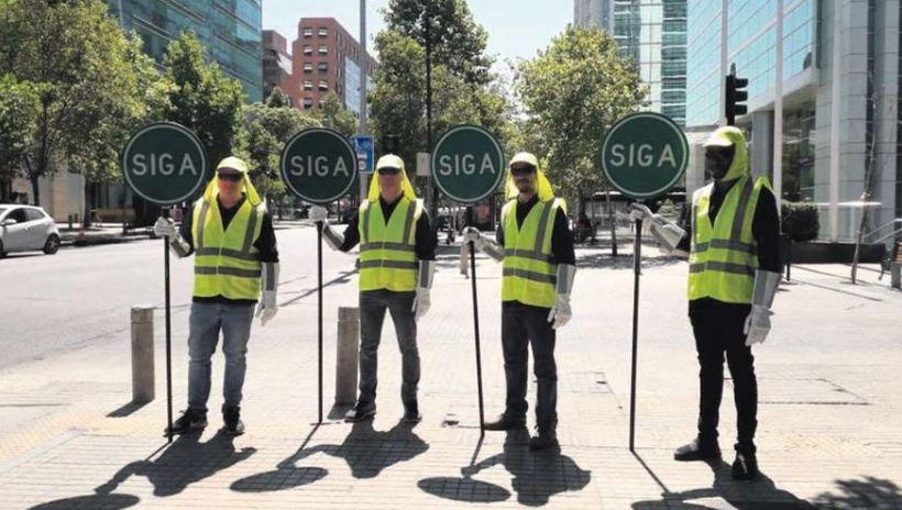 """Santiago tendrá desde hoy """"semáforos humanos"""" gracias a un plan de apoyo de Las Condes"""