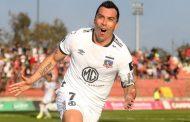 Esteban Paredes se quedaría por seis meses más en Colo Colo