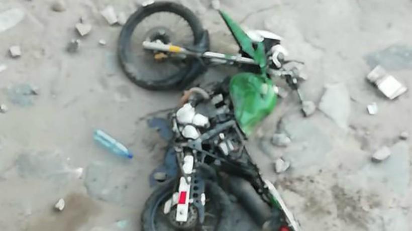 [VIDEO] Arrojan moto de Carabineros al río Mapocho