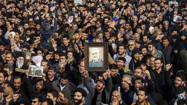 Irán emite orden de arresto contra Trump por asesinato del general Soleimani