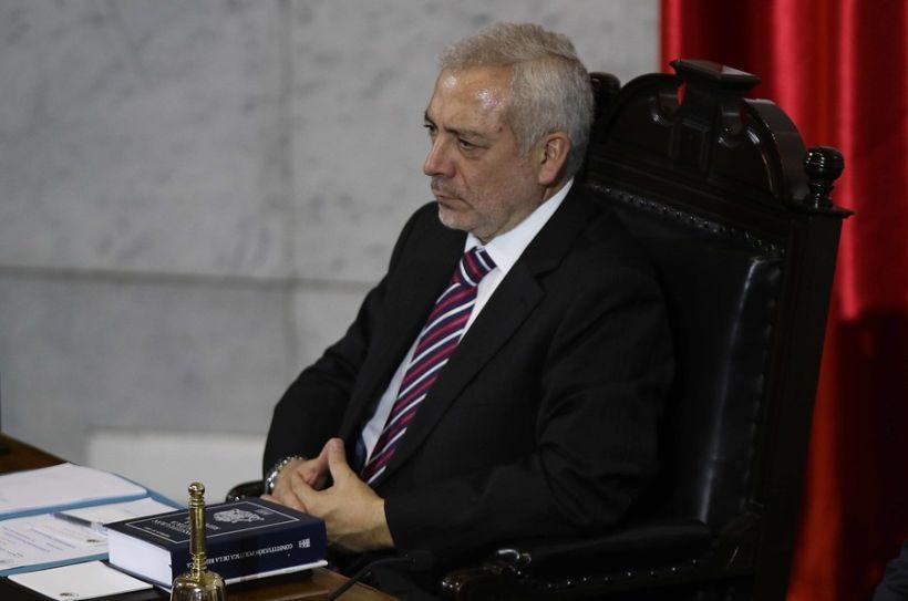 Fiscalía abrió investigación contra secretario del Senado y anunció sumario interno