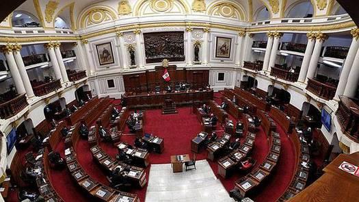 Se discute retiro del 100% de los fondos de las AFP en el parlamento peruano
