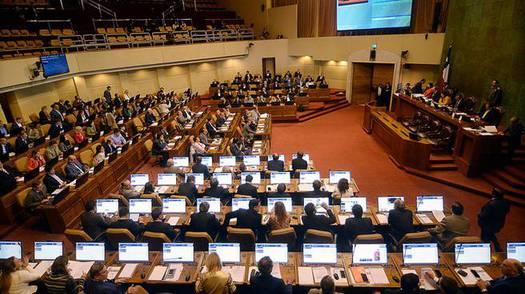 Rebaja del número de parlamentarios: indicación del gobierno mantendrá en 50 los senadores y reducirá los diputados a 134