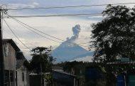 [VIDEO] Ceniza de volcán en erupción cubre Guayaquil y paraliza su aeropuerto