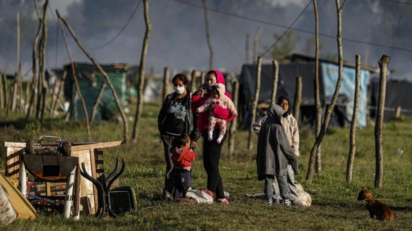 Argentina: policía desalojó a cientos de familias de predio ocupado desde el inicio de la pandemia