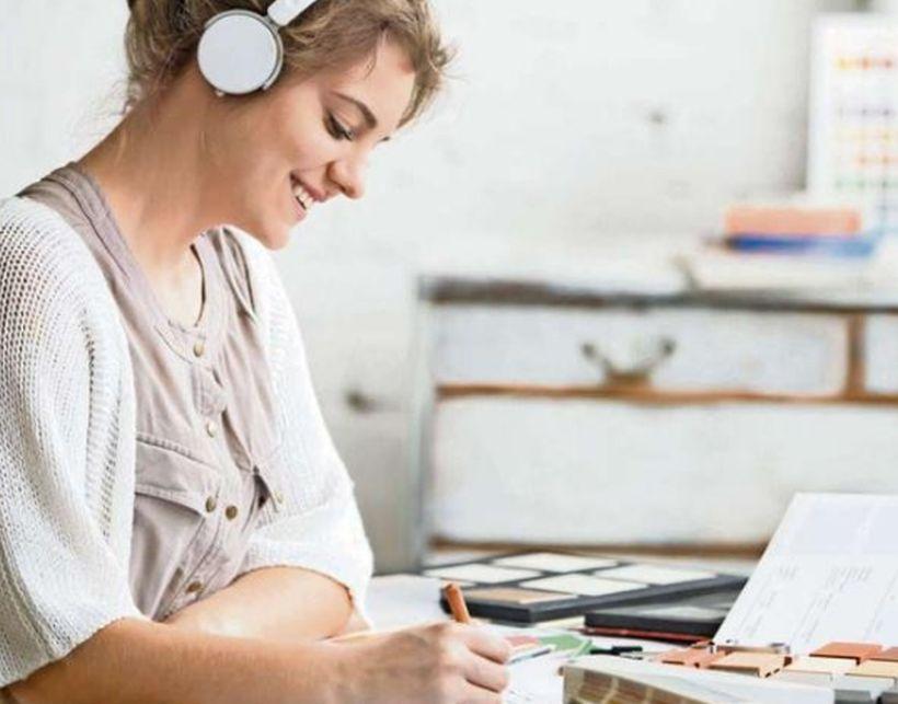 La música sin voces o en idiomas ajenos es mejor para concentrarse