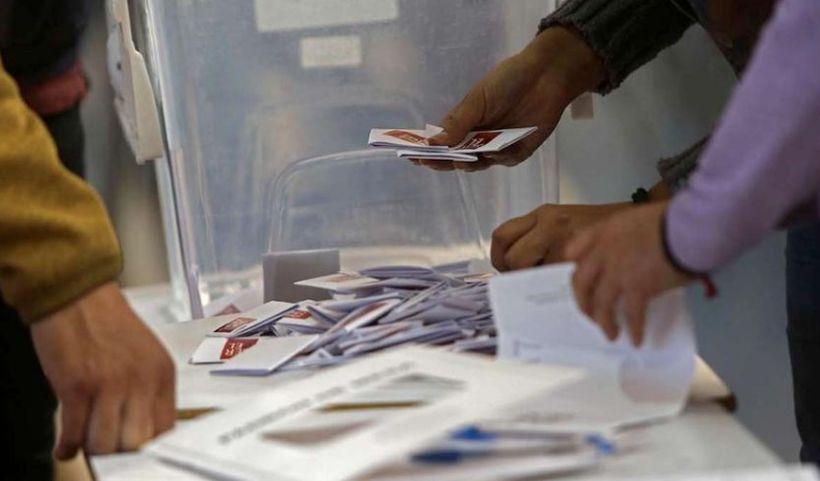 Perú vota hoy en unas elecciones generales clave para la estabilidad política
