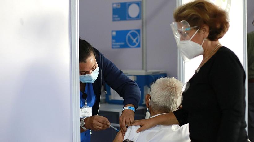 Vacuna Sinovac sí es efectiva entre un 95% y 100% ante casos moderados y graves de Covid-19