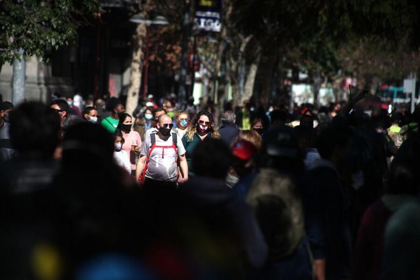 Salud Mental: 46,7% de chilenos presenta algún grado de depresión y problemas aumentan según empeoramiento de situación laboral o económica