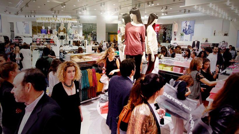 Sernac ofició a empresas del retail por estudio para promover estandarización de tallas del vestuario femenino