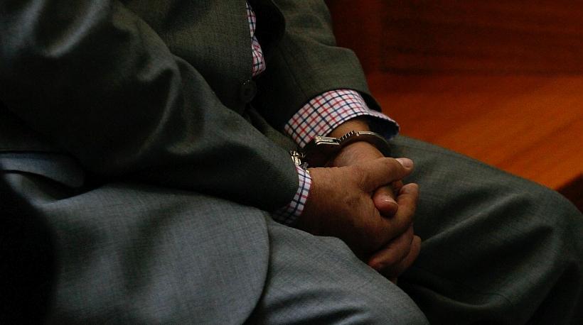 Condenado por violar a su hijo se entregó a Carabineros en Santiago